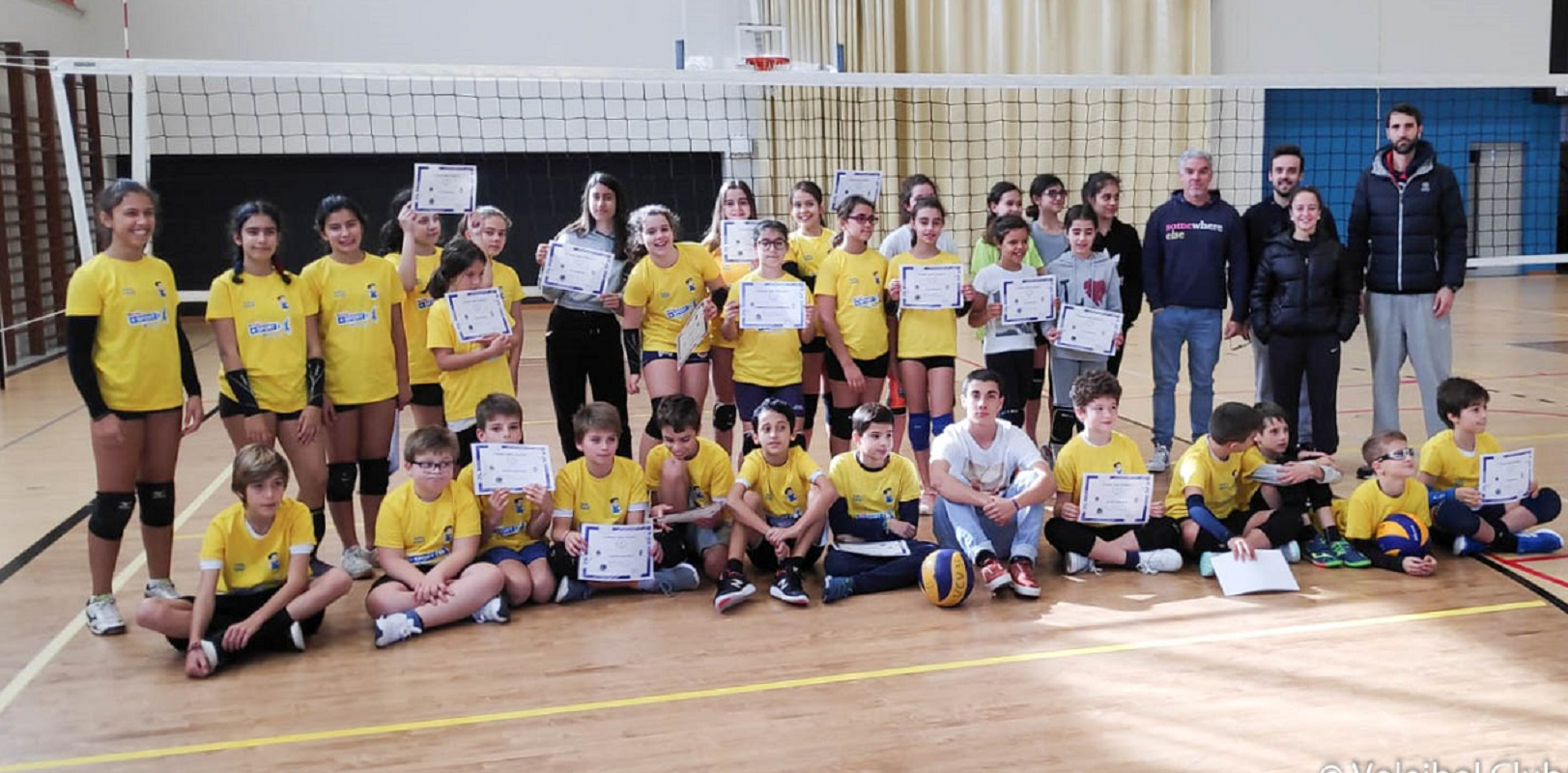 Voleibol Clube de Viana e Associação de Voleibol de Viana do Castelo organizaram torneio de minis