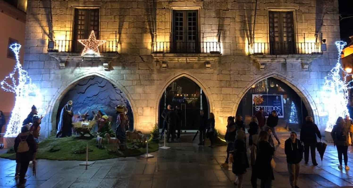 Natal chegou à Praça e luzes iluminam Viana a partir da próxima semana