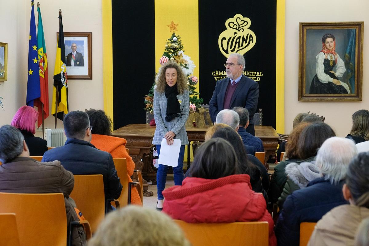 Cerca de 1.900 idosos e crianças recebem lembranças oferecidas pela Câmara de Viana