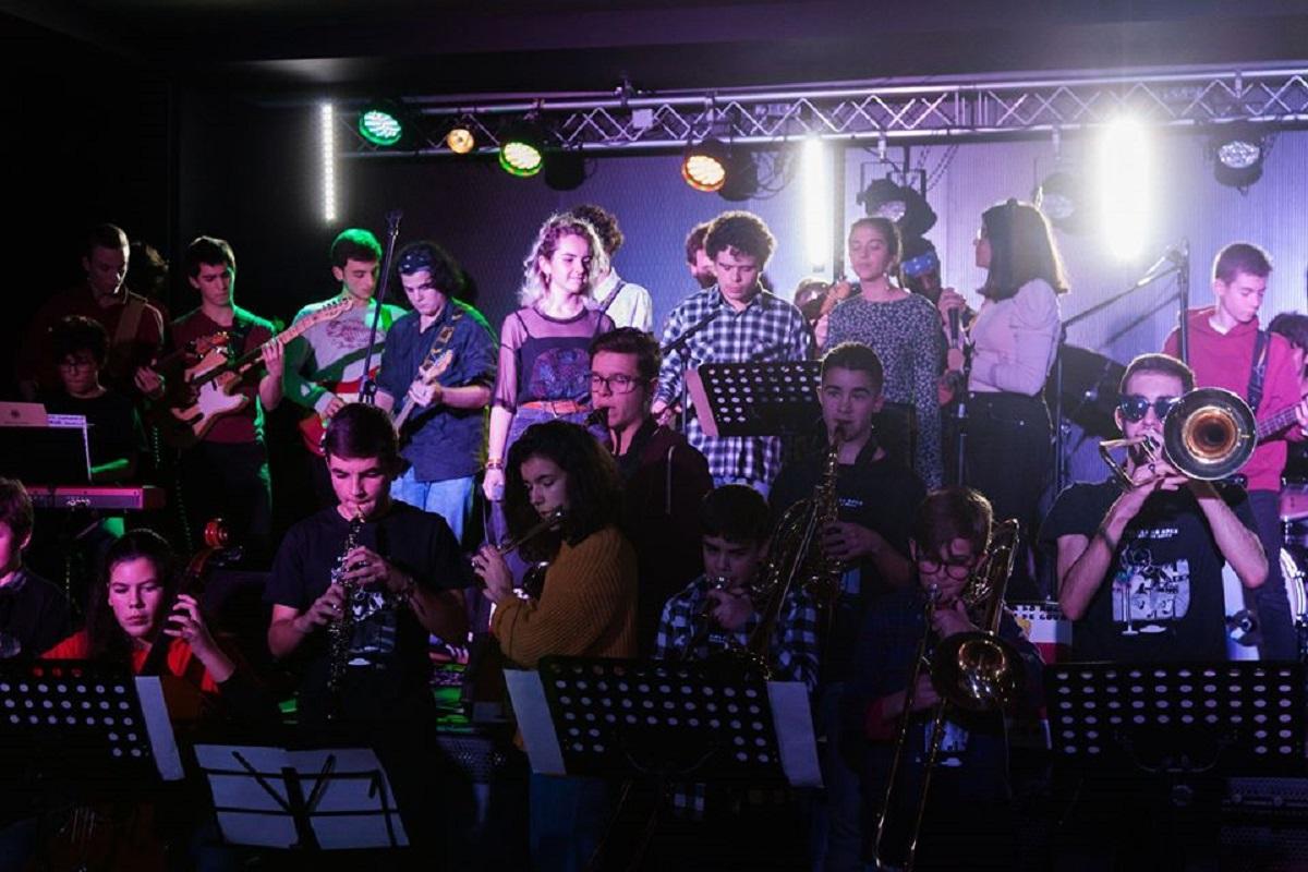 Concerto final da Escola do Rock + Academia de Música marcado para domingo