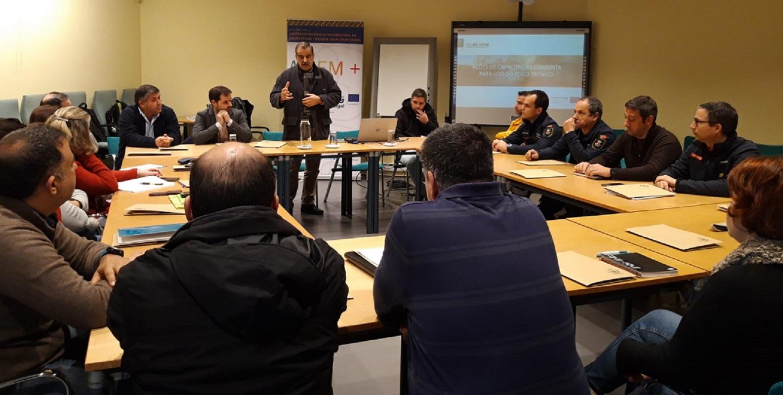 Formação em uso de fogo técnico no combate a incêndios envolve técnicos do Alto Minho e da Galiza