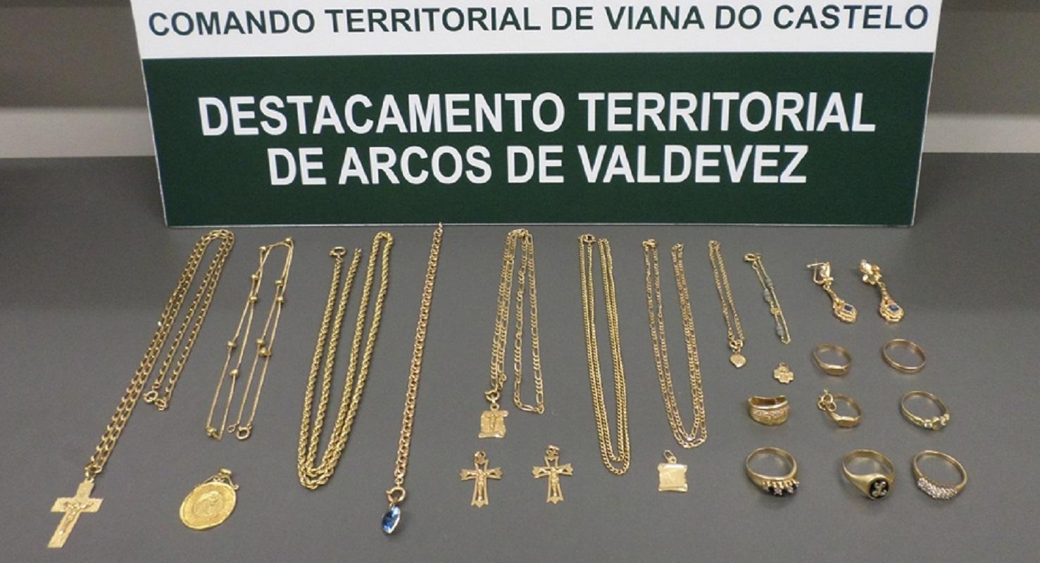 Ouro roubado em casa de Ponte de Lima recuperado em loja de Arcos de Valdevez