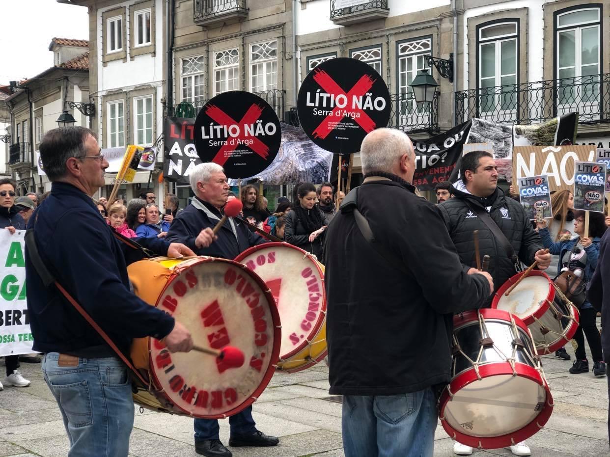 Dezoito movimentos cívicos contra o lítio entregam carta aberta a António Costa