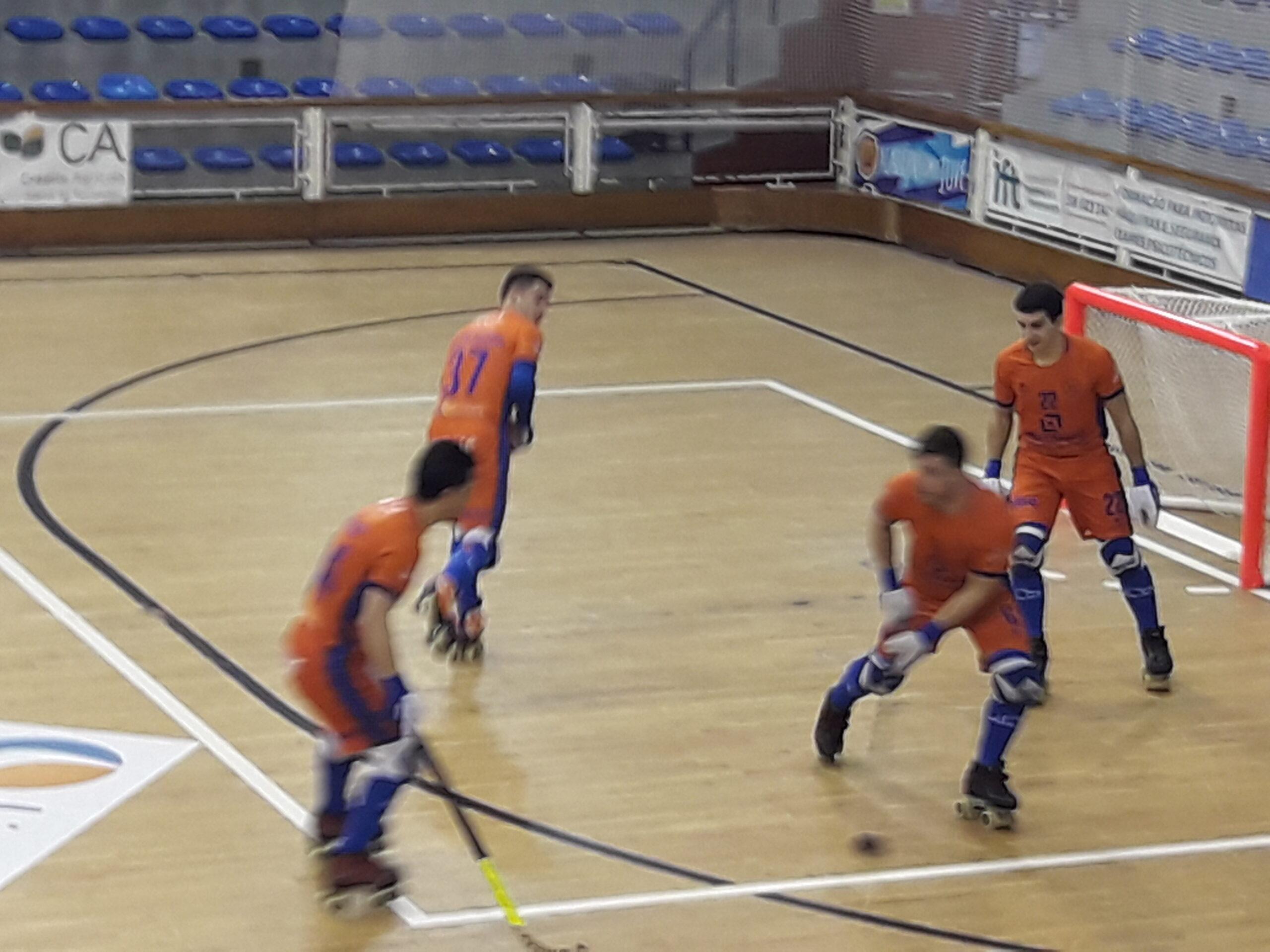 Juventude de Viana perde com Benfica que se isola na liderança do campeonato da 1ª divisão de hóquei em patins