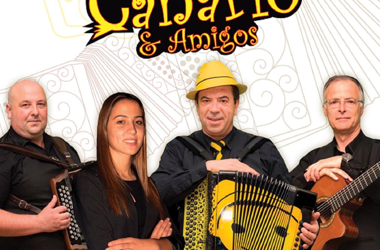 Amorosa em Movimento no domingo com Augusto Canário e Amigos