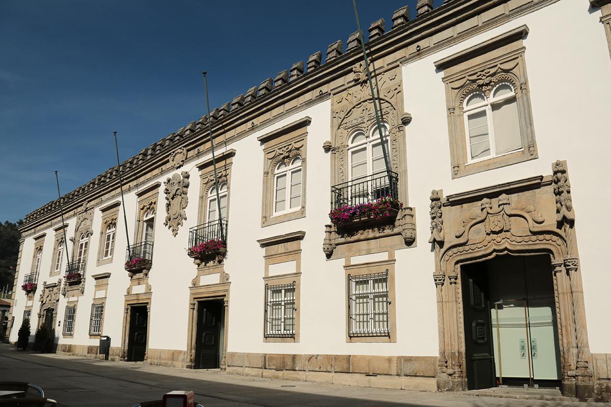 Câmara de Viana cede material de proteção individual à ULSAM e a IPSS do concelho que apoiam idosos