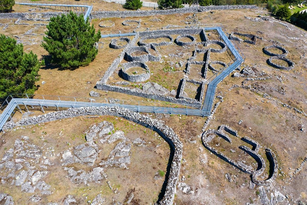 Empreitada de conservação da Citânia de Santa Luzia decorre até agosto