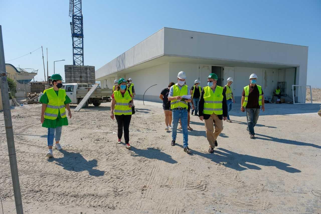 Nova lota e armazéns de aprestos em construção em Castelo do Neiva