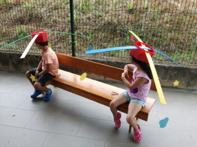 Câmara de Arcos de Valdevez diz que chapéus com hélices feitos por crianças ensinam de forma divertida o porquê de distanciamento social