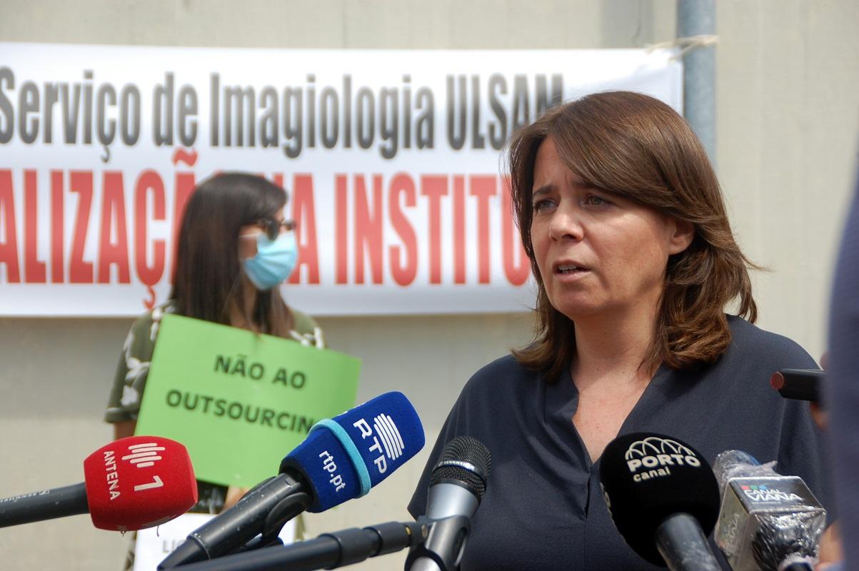 Covid-19: Catarina Martins anuncia em Viana do Castelo acordo para pagar baixas médicas a 100%