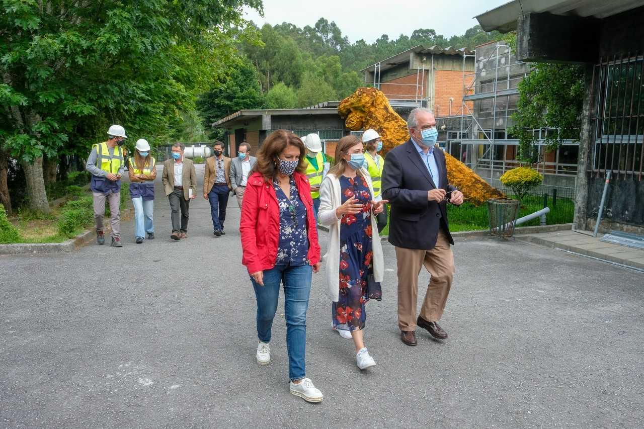 Requalificação de dois pavilhões da Escola Básica e Secundária de Monte da Ola concluídos no início do próximo ano letivo