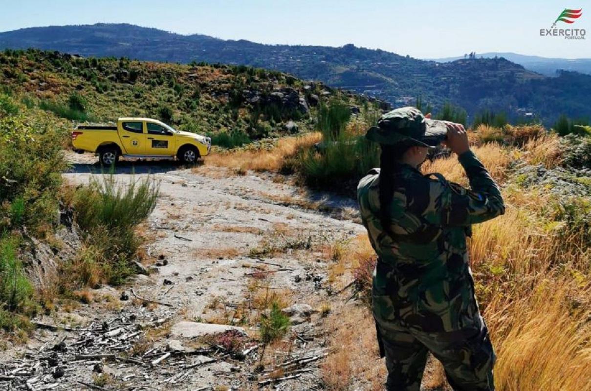 Incêndios: Militares em ações de prevenção até terça-feira devido ao risco elevado