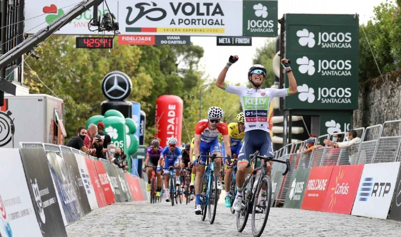 Luís Gomes ergueu os braços a Santa Luzia e ganhou etapa de Viana do Castelo