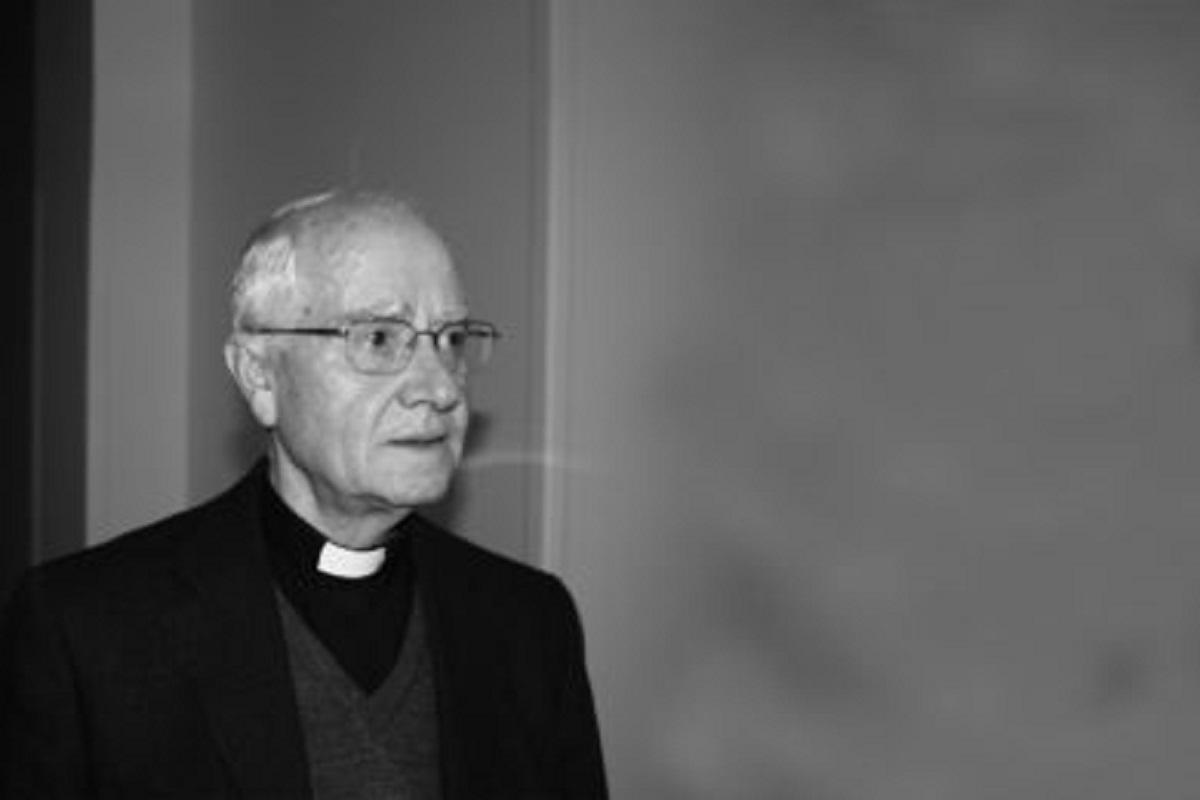 Exéquias fúnebres de D. José Pedreira na Sé de Viana na sexta-feira