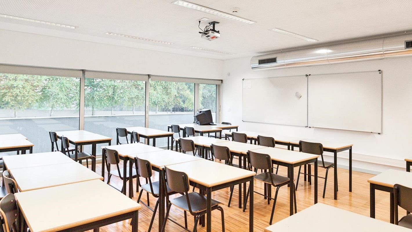 Sindicatos: Aulas arrancam com falta de professores e funcionários