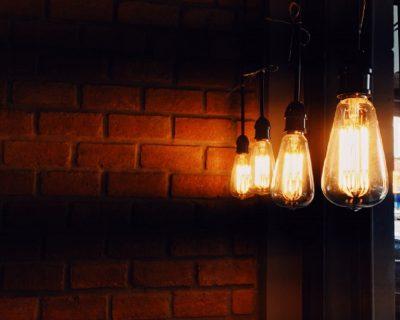 Eletricidade volta a aumentar para famílias em mercado regulado a partir de outubro