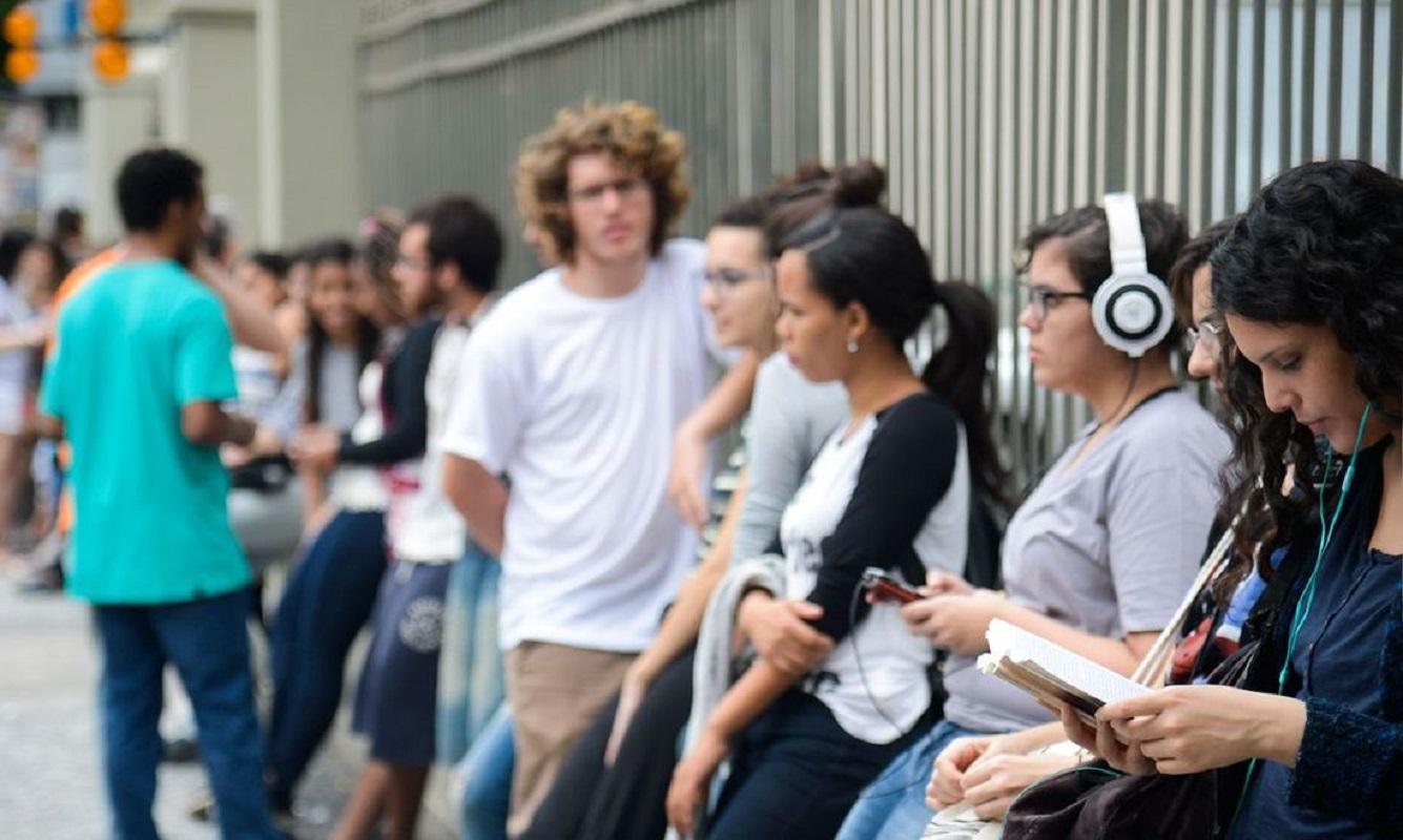 Estudo: Jovens são as principais vítimas da pandemia no mercado laboral