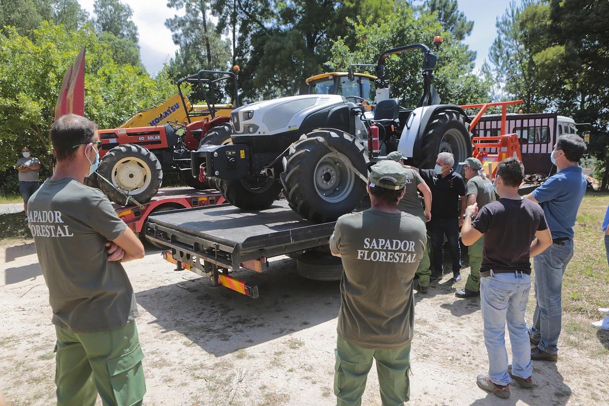 Conselho Diretivo do Baldio de Riba de Âncora adquiriu várias máquinas de grande porte