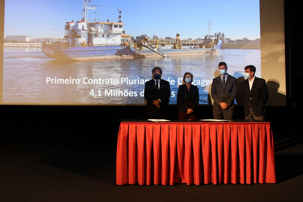 Governo contratualiza 4,1 milhões de euros em dragagens em quatro portos do norte até 2023