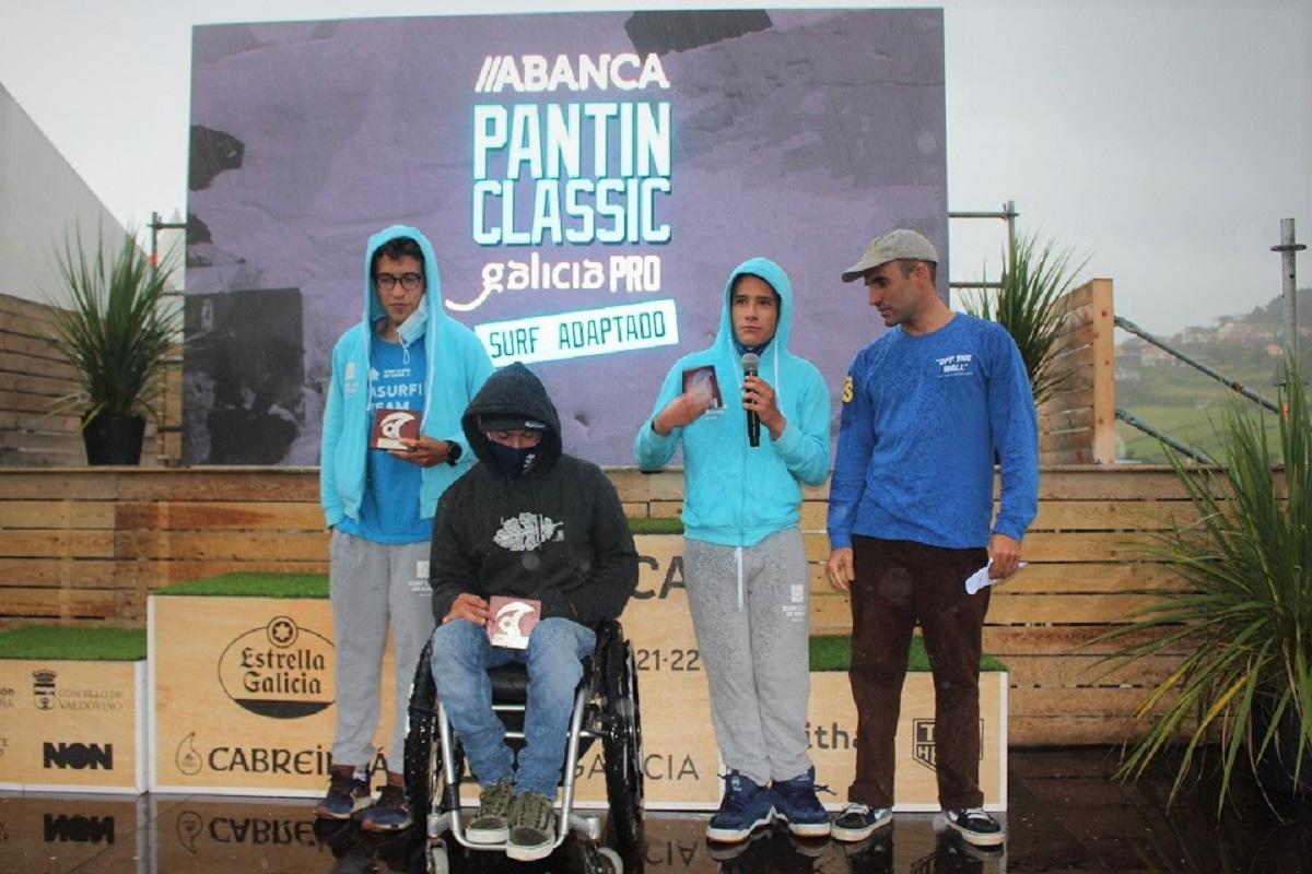 Atletas de Surf Adaptado do Surf Clube de Viana sobem ao pódio na Galiza