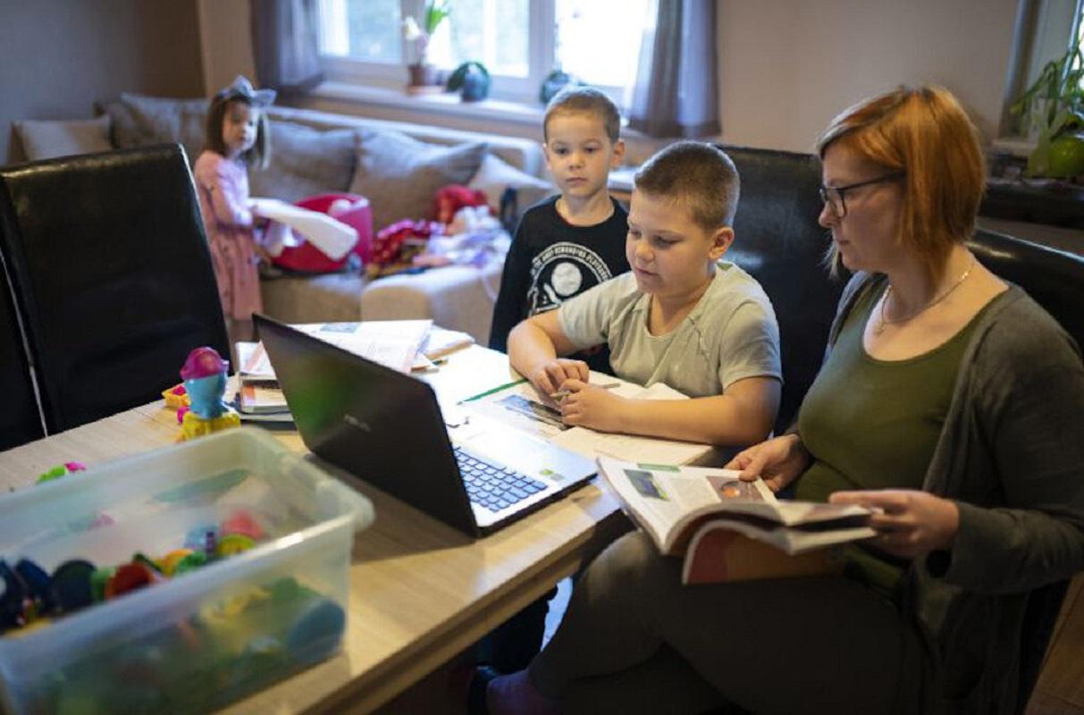 Trabalhadores com filhos menores de 6 anos podem recusar bancos de horas