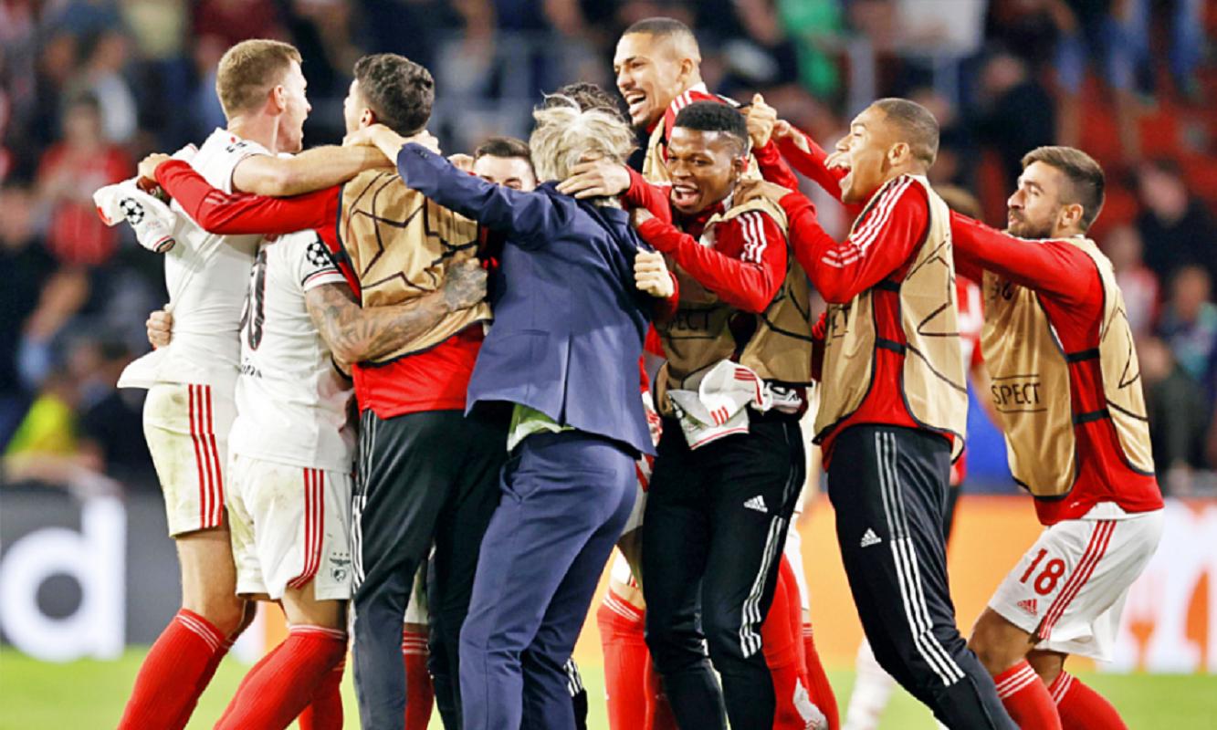 Benfica empata em Eindhoven e apura-se para a fase de grupos da Liga dos Campeões