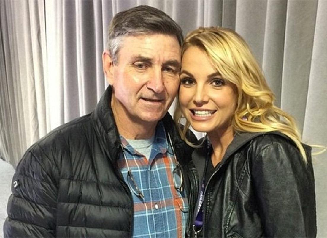 Pai de Britney Spears suspenso da tutela da filha por tribunal de Los Angeles